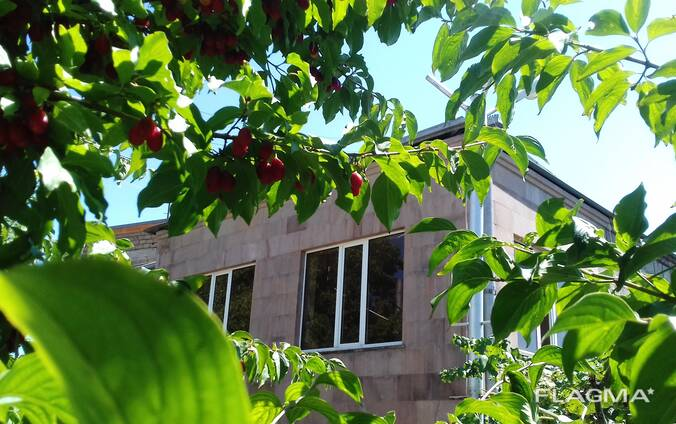 Двухэтажный каменный дом в Егегнадзорe /Армения, Вайоц-дзор/