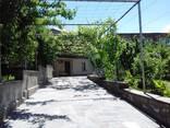 Двухэтажный каменный дом в Егегнадзорe /Армения, Вайоц-дзор/ - фото 2