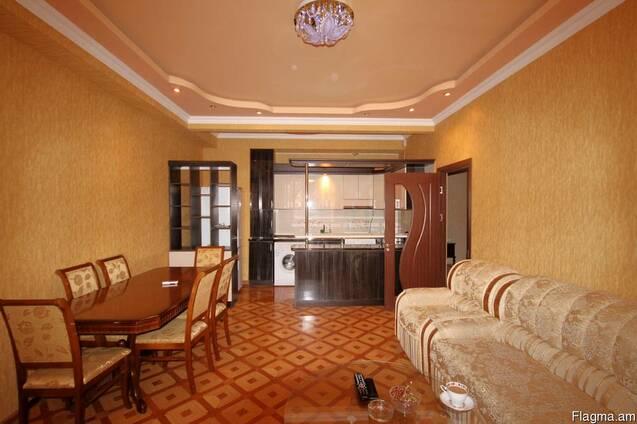 Посуточно - Ул Арама, 3-комнатная квартира Новостройка