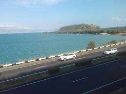 Продается дом берегу озера в Армении
